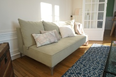 Canapé sur mesure par un tapissier